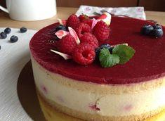 VÍKENDOVÉ PEČENÍ: Vanilkový dort s malinami