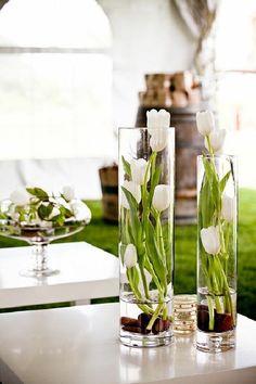 Brilliant 45 Stunning Easter Flower Arrangement Ideas to Enjoy Flowers of the Season https://bosidolot.com/2018/03/26/45-stunning-easter-flower-arrangement-ideas-to-enjoy-flowers-of-the-season/
