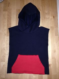Sleeveless sweatshirt for boys