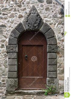 stone-arched-doorway-14744195.jpg (932×1300)