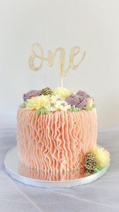 This cake is for the cake smash photography. I hope they smash the cake gently (LOL)… Decorate it with korean buttercream flower and frosting. Fairy Birthday Cake, Cool Birthday Cakes, Birthday Cake Girls, Birthday Parties, Smash Cake Girl, Girl Cakes, Buttercream Decorating, Cake Decorating, Cupcakes
