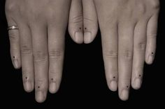dots tattoo finger | Tumblr