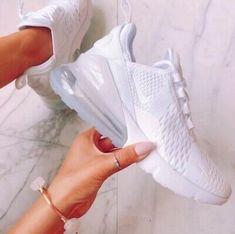 Cute Nike Shoes, Cute Nikes, Adidas Shoes Women, Nike Air Shoes, Sneakers Nike, White Nike Tennis Shoes, Women Nike, Souliers Nike, Basket Style