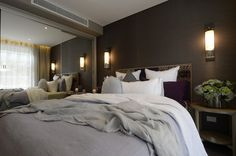 Seagrass wall paper l Wrap up of bedrooms from The Block l Click to see more luxurious bedrooms l The Block Triple Threat