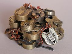 """The seller claims these are """"old"""". They are modern productions of a model common for centuries. - Small Old Brass Padlock Larp, Antique Brass, Cyber, Scenery, Traditional, Antiques, Modern, Christmas, Gifts"""
