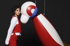 FENDI 2015年秋冬廣告由Karl Lagerfeld掌鏡,並名為「Arty Puppets」,特向瑞士藝術家So ...