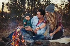 Campfire family photo session - Bailey Smith Photography