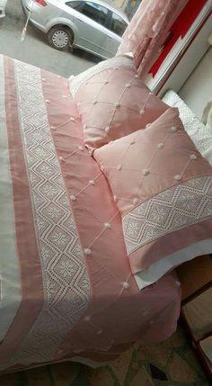 Diy Pillows, Sofa Pillows, Custom Pillows, Ruffle Bedding, Linen Bedding, Bedding Sets, Designer Bed Sheets, Designer Throw Pillows, Bed Cover Design