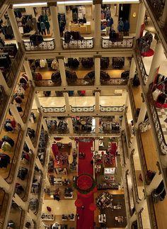 Iluzii optice la cele mai înalte clădiri din lume GALERIE FOTO  http://www.realitatea.net/iluzii-optice-la-cele-mai-inalte-cladiri-din-lume-galerie-foto_921297.html#ixzz1ocZkEhsX