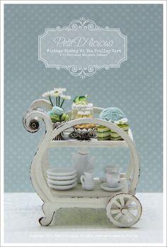 Petit D' Licious: Dainty Afternnon tea with Shabby Vintage Hi-Tea Trolley Cart Vitrine Miniature, Miniature Rooms, Miniature Kitchen, Miniature Furniture, Dollhouse Furniture, Miniature Crafts, Tea Trolley, Tea Cart, Food Trolley