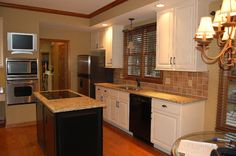 White cabinets; oak trim   For the Home   Pinterest ...