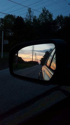 و گذشته دقیقا مانند چیزیست که در آینه اتومبیلی کوچک دیده میشود... نزدیکتر از آن چیزی که میبینی! گذشته گاهی آنقدر نزدیک است که بی هوا تمام زندگی ات را در بر میگیرد. #کیوان_میرشاهی