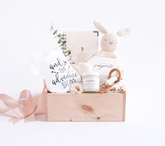 This cute Mom-To-Be pre designed gift box is a great way to say congratulations! Also comes in gender neutral by Marigold & Grey.