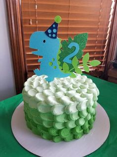 Dino cake topper dino birtday dino cake i made this cake for a dinosaur party earlier in the year and it was a hit very easy to make and the kids loved it video tutorial shows you how Dinasour Birthday Cake, Dinasour Cake, Dinosaur Birthday Party, Boy First Birthday, 2 Birthday Cake, 3rd Birthday Parties, Birthday Cakes For Boys, Women Birthday, Birthday Photos