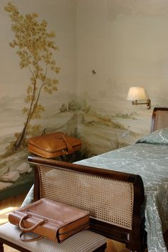 The first suite of the Relais il Biserno with an typical Toscana autumn theme