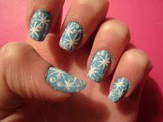 snowflake nail art manicure! Follow at paintthatnail.com