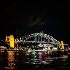 Sydney Harbour Bridge #MELSYD2017 #australia #sydney #sydneyharbour #sydneyharbourbridge #harbourbridge #nightview #missedaussie #foraweirdreason #keepingmecalm