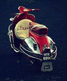 Vespa Shared by Motorcycle Clothing - Two-Up Bikes Motos Vespa, Piaggio Vespa, Lambretta Scooter, Scooter Motorcycle, Vespa Scooters, Motorcycle Outfit, Triumph Motorcycles, Cars And Motorcycles, Classic Vespa