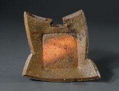 Kakurezaki Ryuichi   隠崎隆一  (geb. 1950)  Bizen-Keramik H. 4 cm / 22 cm / 23,5 cm