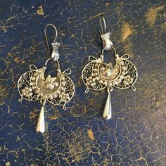Mariposa Mazahua Sterling Silver Earring with Silver Filagree Drop