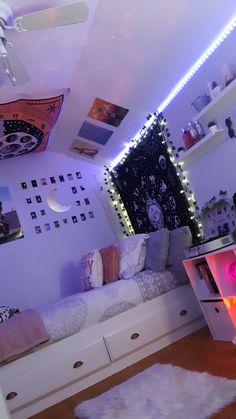 Indie Room Decor, Cute Room Decor, Teen Room Decor, Aesthetic Room Decor, Cute Bedroom Ideas, Room Ideas Bedroom, Bedroom Decor, Chill Room, Cozy Room