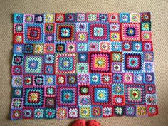 Must try this tutorial because I absolutely love this blanket and I am usually not one for granny square blankets. Might have to enlist the help of some of my Owls to help me out :)