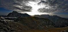 Da sx lo Jof di Montasio,la cresta Cimone-Zabus (in primo piano) e il gruppo del Canin visti dal vallone della Viene. — con Giovanni Osso