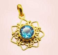 #photograph #embroidery #czdiamond #jaketmurah #bohojewelry #riyo #jewelry #gems #handmade #artificial #pendant #bluetopazcz #blue #zamrud