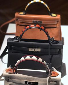 Vibrant colors and zigzag prints are dominating the Hermes Fall Winter 2017 Runway. New bags and fresh designs are captivating us and at the same time, triggering our bag obsession. Meet the next c…