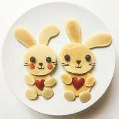 Pancake bunnies & My daughter loves pancakes--she'll eat them anytime of the . - Pancake bunnies & My daughter loves pancakes--she'll eat them anytime of the . Pancake bunnies & My daughter loves pancakes--she'll . Valentines Day Food, Valentines Breakfast, Toddler Meals, Kids Meals, Lunch Meals, Breakfast For Kids, Breakfast Recipes, Cute Breakfast Ideas, Breakfast Healthy