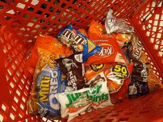 Brace friendly Halloween Candy! Mini Oreo (or regular), Jr Mints, Kit Kat, M&Ms, peanut butter cups, Milky Way, Chocolate bars, Hershey Kisses, 3 Musketeers...Just DON'T put your candy in the fridge (that makes them too hard for braces!)