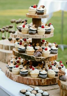27 Rustic Wedding Decorations You Must Have A Look---cupcake tower on the wooden shelf, country wedding ideas, diy food for spring and fall wedding receptions wedding cupcakes 35 Rustic Wedding Decorations Buffet Dessert, Dessert Bars, Food Buffet, Fall Wedding Cupcakes, Wedding Cup Cakes, Cupcake Wedding Display, Fall Wedding Desserts, Cupcake Tower Wedding, Rustic Cupcakes