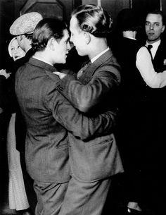 "Brassaï: ""Paris By Night"" 1920s/1930s(+++)"
