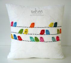 sukan / SET 2 piece Color Birds White Linen Pillow por sukanart