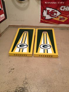 Custom built Green Bay packers NFL cornhole boards Woodworking Joint Types, Woodworking Projects Diy, Fine Woodworking, Custom Cornhole Boards, Nfl Packers, Corn Hole Game, Green Bay Packers, Fun Projects, Board Games