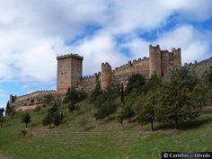 CASTLES OF SPAIN - Castillo de Peñaranda de Duero, es una fortaleza ubicada sobre una colina de las proximidades del núcleo burgalés de Peñaranda de Duero. Su primera construcción data del siglo X. Contruido con el fin de frenar el avance árabe, y facilitar su expulsión de la península durante la Reconquista. Fue declarado Monumento Histórico Artístico, siendo uno de los lugares de mayor interés turístico de Burgos.