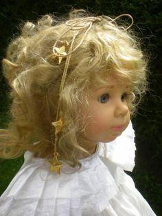 Götz Puppe Alice 56 cm Künstlerpuppe LISON von E. Lindner 1998Alice ist eine…