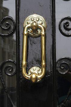 Brass oval doorknocker