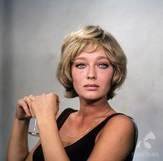 Ewa Szykulska - Polish actress; Rok: 1967-1975 Prawa: Filmoteka Narodowa Autor: Pieńkowski Romuald