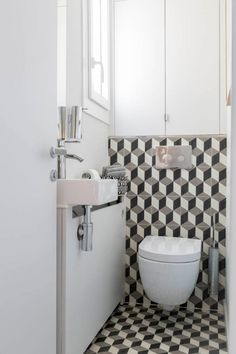 Target Home Decor Parisian Pied--terre redesign by Piret Johanson Studio Interior Design Diy, Interior, Chic Interior Design, Target Home Decor, Elegant Bathroom, Bathroom Interior, Small Bathroom, Stylish Interior Design, Bathroom Decor