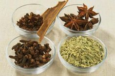 How to make Five Spice Powder used in Chinese cuisine: Cloves, star anise, fennel seeds, cassia bark, Sichuan pepper Chinese 5 Spice, Chinese Five Spice Powder, Chinese Food, Homemade Spices, Homemade Seasonings, Five Spice Recipes, Sauces, Authentic Chinese Recipes, Taiwanese Cuisine