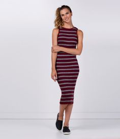 Vestido feminino Modelo tubinho Sem manga Gola redonda Listrado Com lurex Marca: Blue Steel Tecido: rib Modelo veste tamanho: P Medidas da Modelo: Altura: 1,72 Busto: 85 Cintura: 62 Quadril: 90 COLEÇÃO INVERNO 2016 Veja outras opções de vestidos femininos.