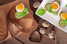 Srdiečka pre šťastné detstvo Avocado Toast, Eggs, Breakfast, Food, Morning Coffee, Essen, Egg, Meals, Yemek