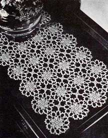 Crochet Runner Pattern  Loads of free vintage crochet patterns on site