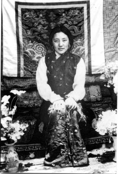 'If you know me, you know that I reside in the hearts of all beings. Just summon me and I will return!' ~ Yeshe Tsogyal