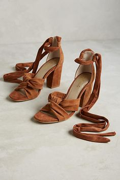 Liendo by Seychelles Seville Knotted Heels