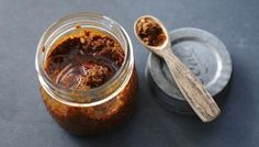 How to make curry paste recipe . Fresh curry paste will put the wow-factor into your homemade curries. Plus, it's easy to put together and keeps well. Spicy Recipes, Indian Food Recipes, Asian Recipes, Cooking Recipes, Bbc Recipes, Recipies, Massaman Curry Paste, Thai Curry Paste, Chilli Paste