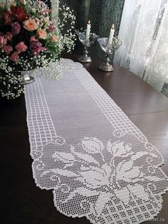 this pin was discovered by Crochet Table Runner Pattern, Crochet Flower Patterns, Crochet Tablecloth, Crochet Stitches Patterns, Annie's Crochet, Fillet Crochet, Vintage Crochet, Crochet Doilies, Crochet Small Flower