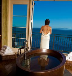 Bungalow guests receive 10% off spa treatments and salon service at The Spa at Terranea.