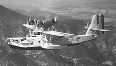 Loire 70 1933 (France). Hydravion trimoteur de reconnaissance. Après une mise au point laborieuse, les 8 exemplaires construits ont été mis en service en 1938 dans l'escadrille E 7 en Tunisie. En 1940, il ne restait plus que 4 avions en état de vol et suite à un raid italien le 12 juin 1940, trois appareils sur 4 furent détruits. Le sort du dernier appareil est inconnu mais tout porte à croire qu'il a fini sous les chalumeaux des ferrailleurs.